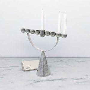 מנורת החשמונאים - חנוכייה מכסף
